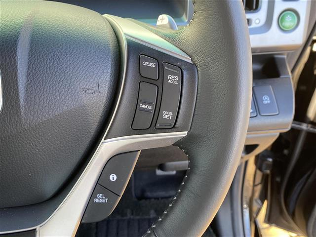 Z クールスピリット 社外ナビ・フルセグTV・DVD・ハーフレザーシート・両側パワスラ・ウインカーミラー・クルーズコントロール・ETC・アイドリングストップ・横滑り防止装置・パドルシフト・フォグライト(7枚目)
