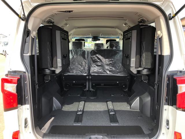 Gパワーパケ 4WD 未使用車 8人乗りディーゼル 両側電動(18枚目)