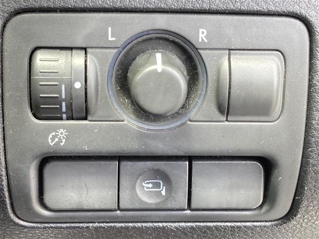 2.5i Sスタイル 4WD 社外メモリーナビ SD CD DVD Bluetooth USB AUX フルセグ 純正AW付きサマータイヤ積込 運転席パワーシート HIDヘッドライト ETC(15枚目)