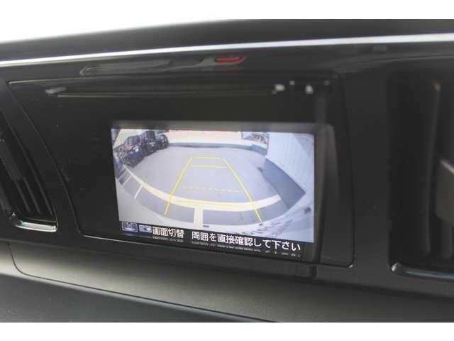 バックの際後ろが確認出来、駐車時も安心。リアワイドカメラ付