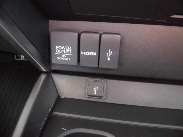電源、HDMI USBジャック。