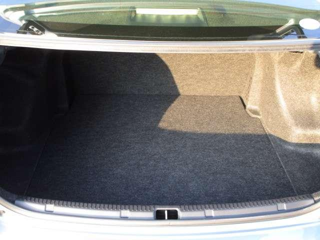 ハイブリッド 1.5 ハイブリッド シートヒーター装着車 純正ナビ バックカメラ ETC ディーラー保証(8枚目)