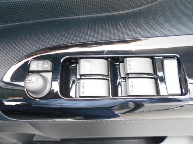 Gブラックアクセント リミテッド SA3 パノラマカメラ・両側パワースライドドア・届け出済み未使用車(17枚目)