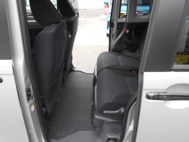 Gブラックアクセント リミテッド SA3 パノラマカメラ・両側パワースライドドア・届け出済み未使用車(21枚目)
