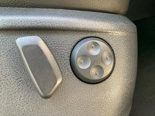 TSI ハイラインブルーモーションテクノロジー 純正ナビTVフルセグ バックカメラ 両側パワースライド パワーバックドア スマートキー コーナーセンサー ETC パーキングアシスト シートヒーター オートブレーキホールド ルーフレール キセノン(25枚目)