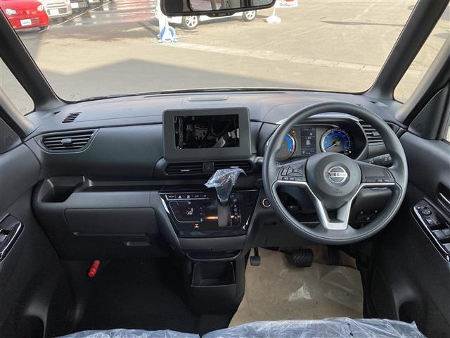 ハイウェイスター X 届け出済み使用車 純正14インチAW スマートキー ステアリングスイッチ アイドリングストップ パワースライドドア オートライト オートエアコン LEDヘッドライト LEDフォグライト(3枚目)
