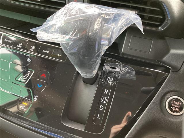 ハイウェイスター X 届け出済み使用車 純正14インチAW スマートキー ステアリングスイッチ アイドリングストップ パワースライドドア オートライト オートエアコン LEDヘッドライト LEDフォグライト(13枚目)