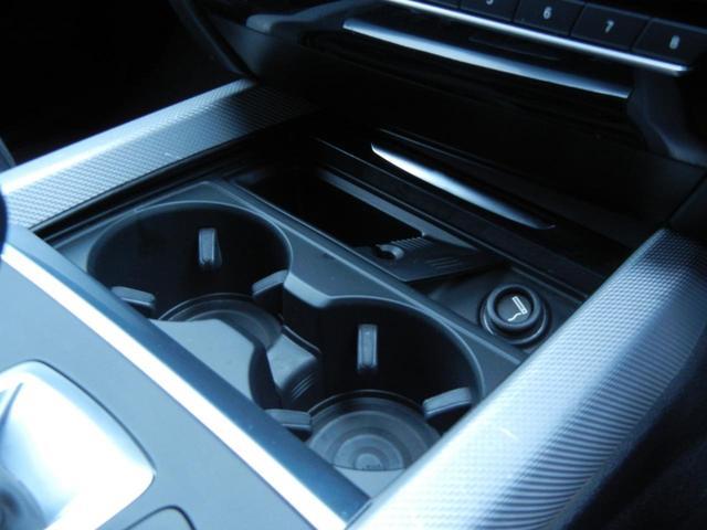 私共、輸入車専門店LIBERALAをはじめ、 BMWの新車ディーラー、軽自動車専門店、国産ミニバン専門店、SUV専門店など、多くの販売チャネルをご用意しております。
