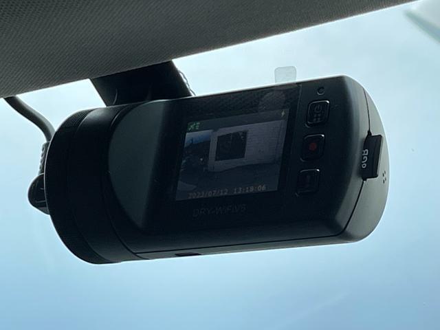 LIBERALAでは、輸入車の専門メカニックが在籍する工場にて車検整備を実施致します。