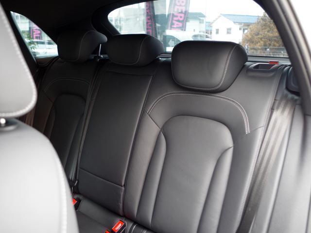 アウディ アウディ RS Q3 ベースグレード