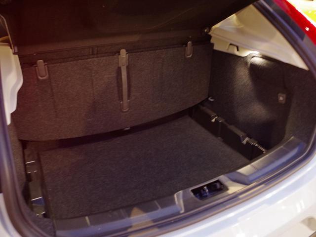 ボルボ ボルボ V40 T4 SE ACC 黒レザー HDD