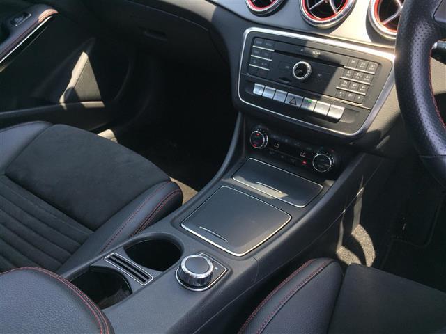 CLA180 AMG スタイル サンルーフ メーカーナビ フルセグTV CD DVD Bluetoothオーディオ Bカメラ スマートキー プッシュスタート LEDオートライト 前席パワーシートヒーター Rクルコン 衝突軽減ブレーキ(23枚目)