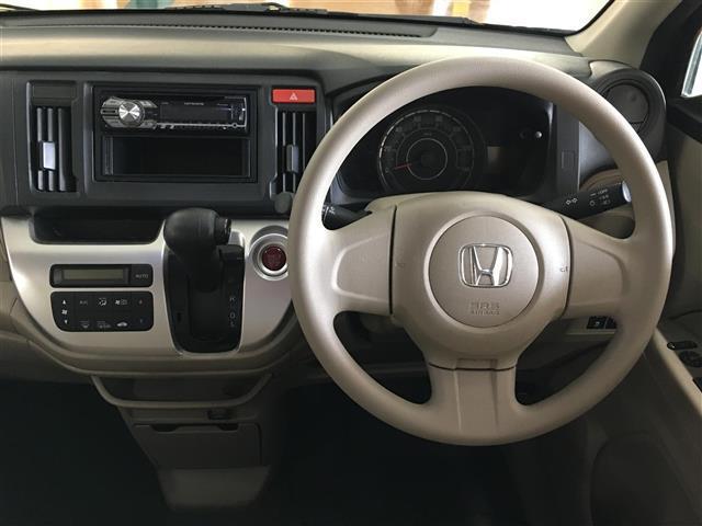 G 4WD ワンオーナー スマートキー CDオーディオ(3枚目)