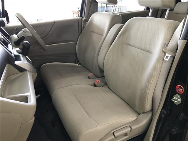 G 4WD ワンオーナー スマートキー CDオーディオ(12枚目)