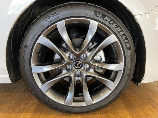 XD Lパッケージ 4WD ワンオーナー 寒冷地仕様 衝突軽減 レーダークルコン レザーシート シートヒーター BSM LEDオートライト 前席パワーシート ヘッドアップディスプレイ ルーフレール コーナーセンサー(8枚目)