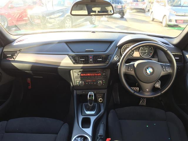 sDrive 20i Mスポーツ 4WD 純正オーディオ AM FM CD AUX サンルーフ スマートキー ルームミラー内蔵ETC プッシュスタート アイドリングストップ オートライト 横滑り防止装置(3枚目)