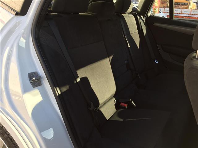 sDrive 20i Mスポーツ 4WD 純正オーディオ AM FM CD AUX サンルーフ スマートキー ルームミラー内蔵ETC プッシュスタート アイドリングストップ オートライト 横滑り防止装置(10枚目)
