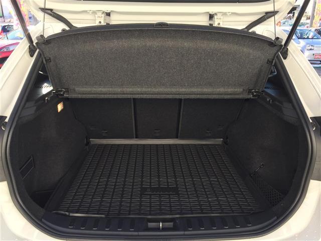 sDrive 20i Mスポーツ 4WD 純正オーディオ AM FM CD AUX サンルーフ スマートキー ルームミラー内蔵ETC プッシュスタート アイドリングストップ オートライト 横滑り防止装置(11枚目)