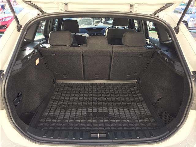 sDrive 20i Mスポーツ 4WD 純正オーディオ AM FM CD AUX サンルーフ スマートキー ルームミラー内蔵ETC プッシュスタート アイドリングストップ オートライト 横滑り防止装置(12枚目)