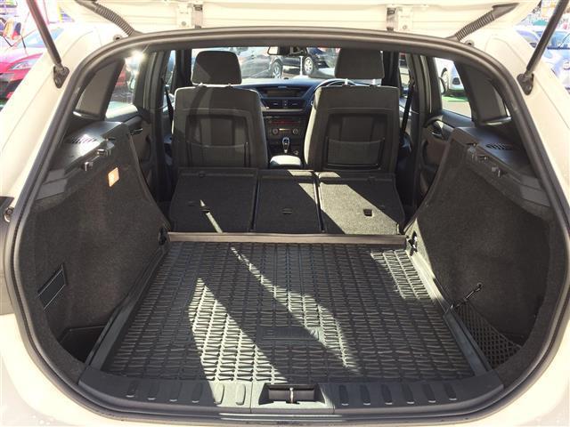 sDrive 20i Mスポーツ 4WD 純正オーディオ AM FM CD AUX サンルーフ スマートキー ルームミラー内蔵ETC プッシュスタート アイドリングストップ オートライト 横滑り防止装置(13枚目)