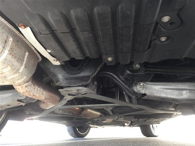 sDrive 20i Mスポーツ 4WD 純正オーディオ AM FM CD AUX サンルーフ スマートキー ルームミラー内蔵ETC プッシュスタート アイドリングストップ オートライト 横滑り防止装置(19枚目)