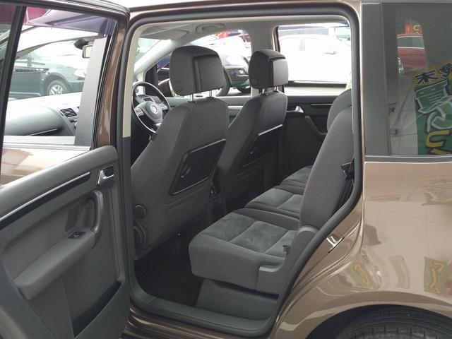 フォルクスワーゲン VW ゴルフトゥーラン TSI ハイライン 純正ナビ バックカメラ コーナーセンサー