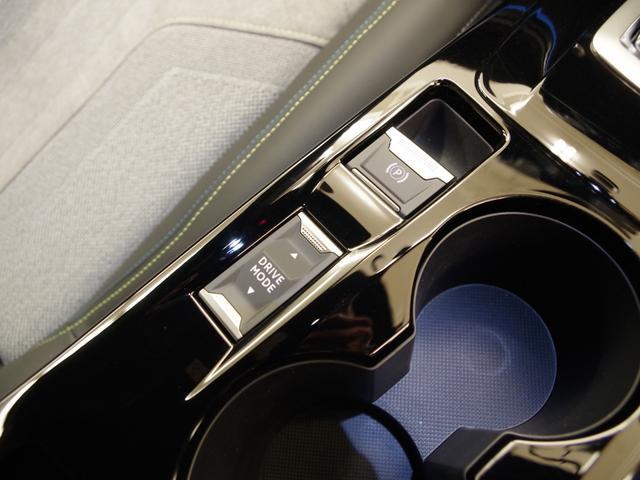 GTライン 純正タッチスクリーン AppleCarPlay バックカメラ アクティブクルーズ ブラインドスポットモニター アクティブセーフティブレーキ フルLEDヘッドライト(18枚目)