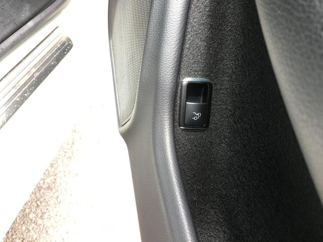 純正HDDナビ CD/DVD/Bluetooth/フルセグTV バックカメラ クルーズコントロール ETC 前席パワーシート ステアリングリモコン HIDヘッドライト オートライト リモコンキー