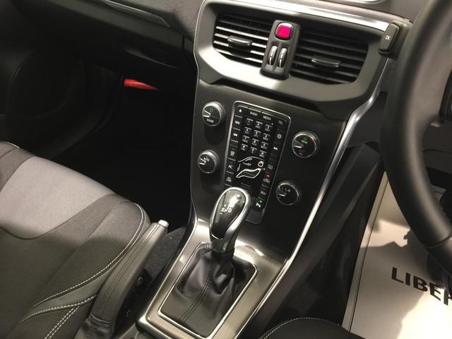 ボルボ ボルボ V40 D4 SE