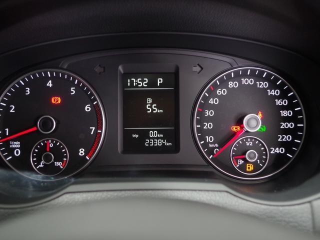 TSI コンフォートラインブルーモーションテクノロジ SDナビ(フルセグ/DVD/CD/ミュージックプレーヤー接続) 後席用モニター 両側パワースライドドア クルーズコントロール 運転席パワーシート HIDヘッドライト 純正アルミホイール ETC(5枚目)