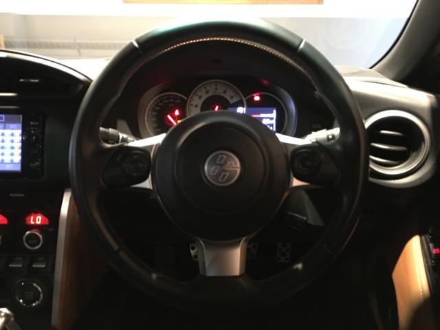 GTリミテッド /6速MT/純正SDナビ/フルセグ/クルーズコントロール/ステアリングスイッチ/ETC/スマートキー/LEDヘッドライト/車高調/TRDフロントスポイラー/TRDブレーキキャリパー/HKSマフラー(3枚目)
