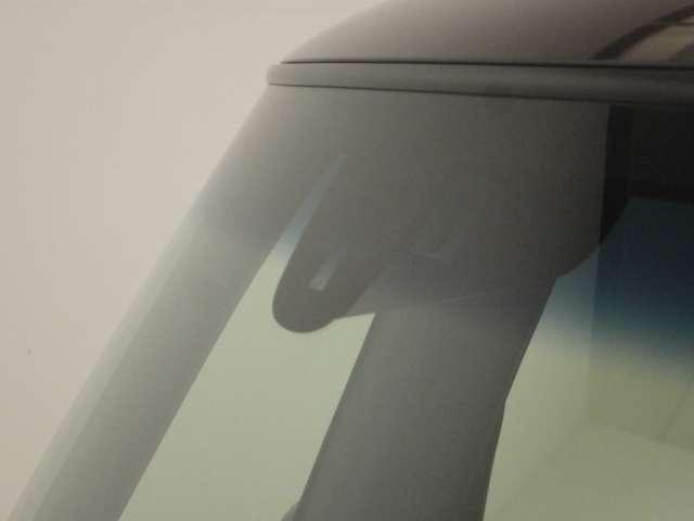 G・Lパッケージ HID オートリトラミラー フルTV ディスチャージ キーフリ バックカメ メモリナビ 禁煙 TVナビ スマキー AW CDチューナー ETC 盗難防止装置 ワンオーナー ABS 記録簿 パワステ(3枚目)