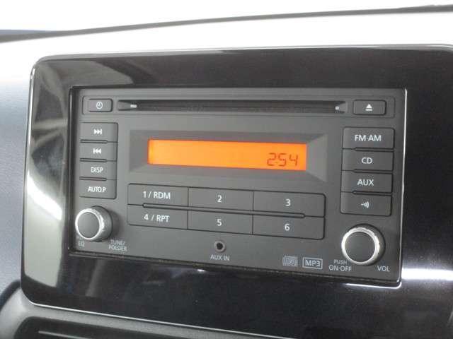 純正CDオーディオが装着されております。