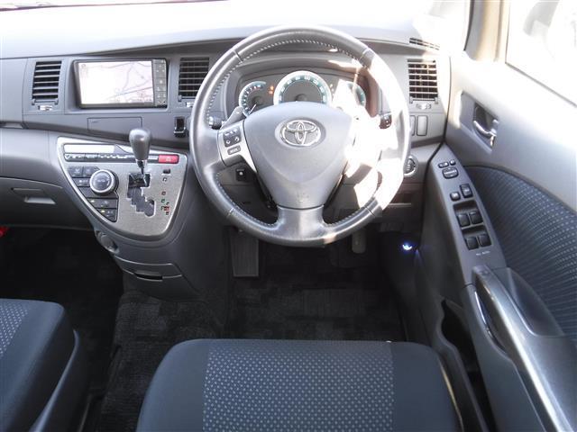 トヨタ アイシス プラタナ リミテッド ワンオーナー 両側パワスラ HDDナビ
