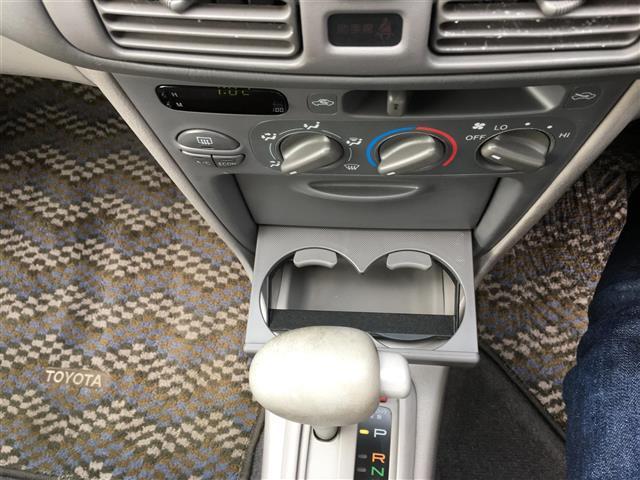 トヨタ カローラ XE サルーン リミテッド 4WD