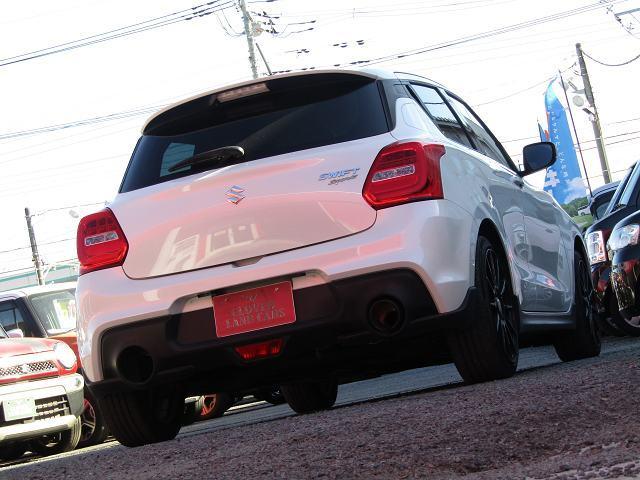 ベースグレード ワンオーナー クルーズコントロール スマートキー プッシュスタート フォグ 6速MT ETC LEDヘッドライト ウィンカーミラー 社外17インチアルミ フジツボマフラー エアクリーナー ETC(3枚目)