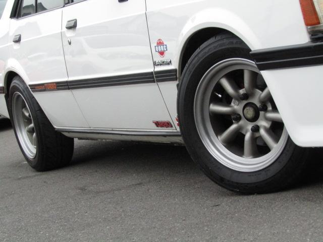 ワタナベ19インチアルミホイールタイヤサイズは185/60R14 タイヤ溝もまだあります。