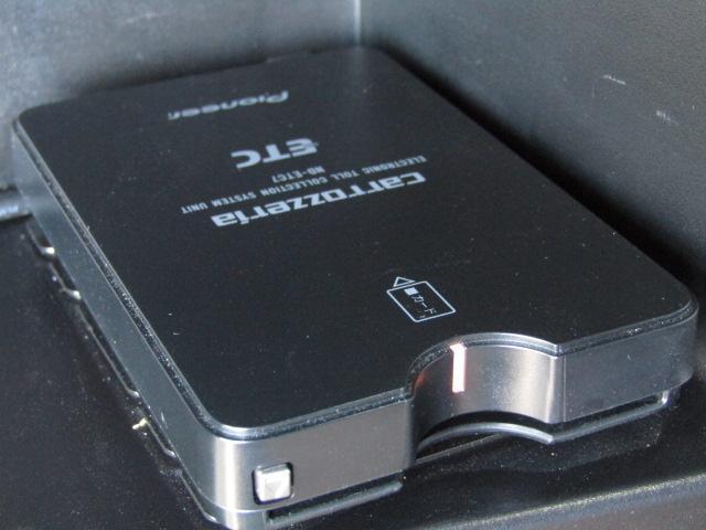 e-パワーニスモ ワンオーナー LEDヘッド セ専用エアロ アルミ エマージェンシーブレーキ ETC カロッツェリア8インチナビフルセグTV DVD バックカメラ インテリキープッシュスタート プライバシィガラス(12枚目)