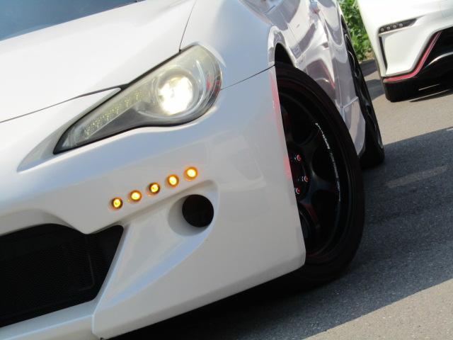 アドバン18インチアルミホイール タイヤサイズは215/40R18 オススメですよ!!