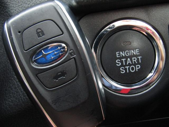 【スマートキーシステム!】鍵を持っているだけで、ボタン一つでドアを開閉でき、エンジンスタートもできます。インテリジェントキーとも言います。   ※メールやLINEでのお問合せもOKです。