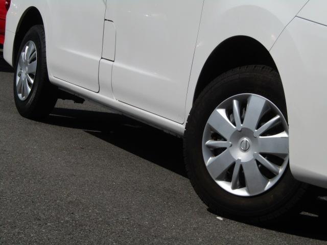 【タイヤ交換もお任せください!!】当店では各種、新品タイヤ・アルミも格安で取り扱いいたしております。認証工場完備。車のことならなんでもご相談ください。