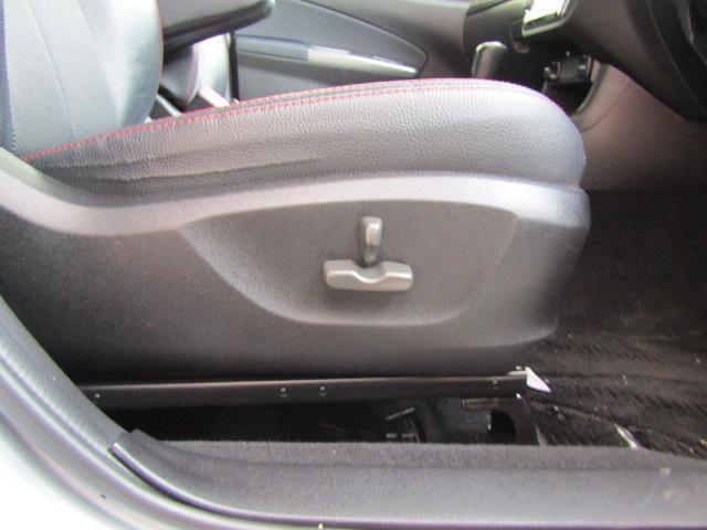 便利なパワーシート付き☆意外と高級車にしか無い装備です♪