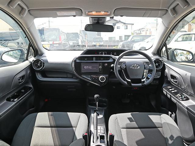 ドライバー目線の画像です☆クリーニング済みでシートも焦げ穴やシミ等も無く綺麗な状態です♪