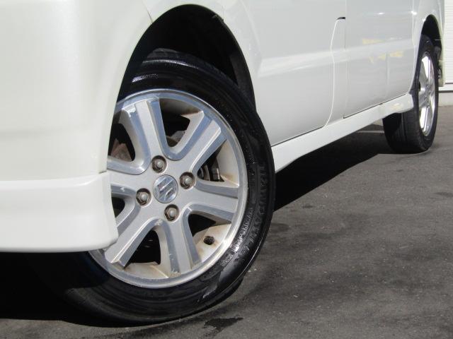 社外アルミ・国内外タイヤ・スタッドレスなども取り扱っておりますので、お気軽にスタッフまでご相談下さい!