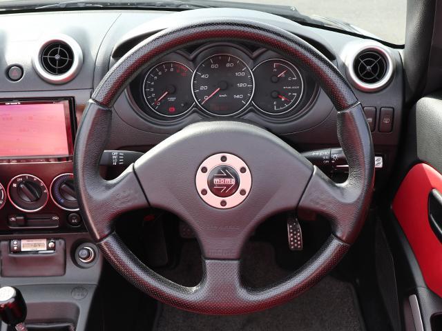 ステアリング画像です。擦れや剥げなどなく綺麗な状態です。握り心地も良く運転しやすいですよ♪
