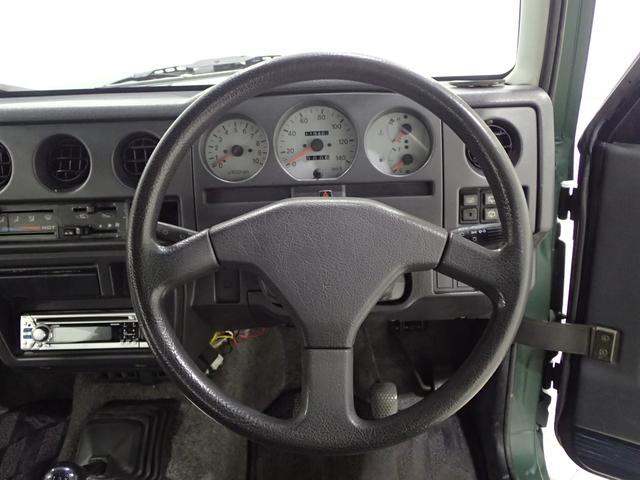 ハンドル周りの画像となります。ぜひドライバーシートに座って体感してみてください!