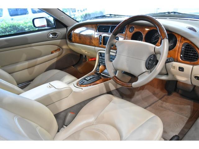 ジャガー ジャガー XKR 正規D車2002年モデル中期型 天張交換済