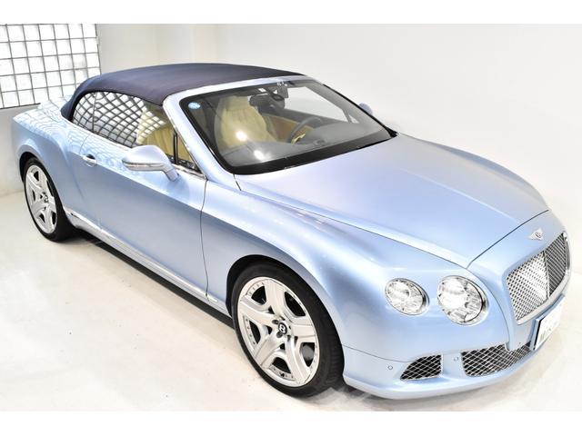GTコンバーチブル W12 正規D車 ツートンレザー 紺幌(7枚目)
