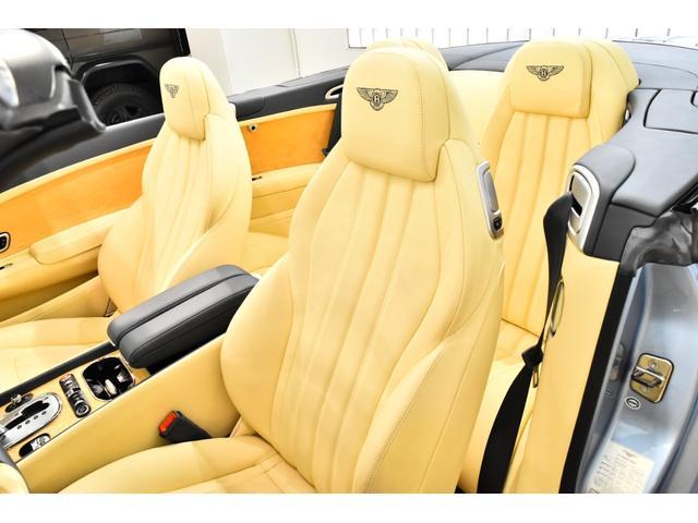 GTコンバーチブル W12 正規D車 ツートンレザー 紺幌(10枚目)