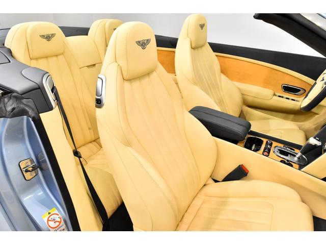 GTコンバーチブル W12 正規D車 ツートンレザー 紺幌(12枚目)